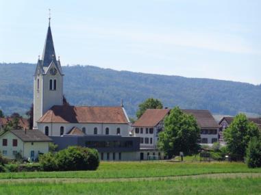 Evangelische Kirche mit Kirchgemeindehaus und Schulhaus Säge