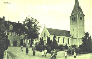 Kirche und Oberes Schulhaus, Postkarte von 1912